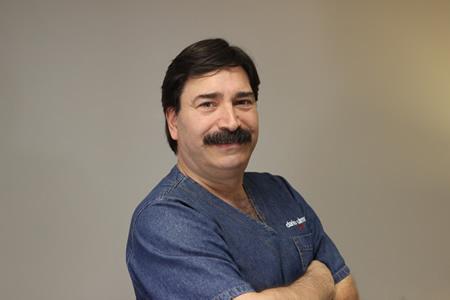 Dr. Darío Ulman